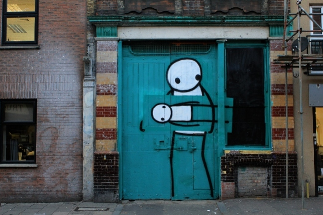 Stik-Street-Art-London-Pitfield-Street-Thief-1